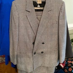 Houndstooth Suit for Women